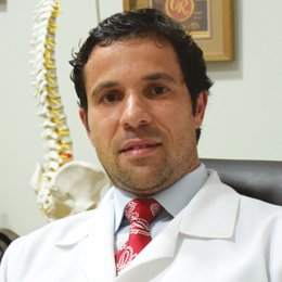 Dr. Lauro de Franco Seda Jr. é Neurocirurgião Especialista em Dor e Distúrbios do  Movimento  CRM-SP: 89.407