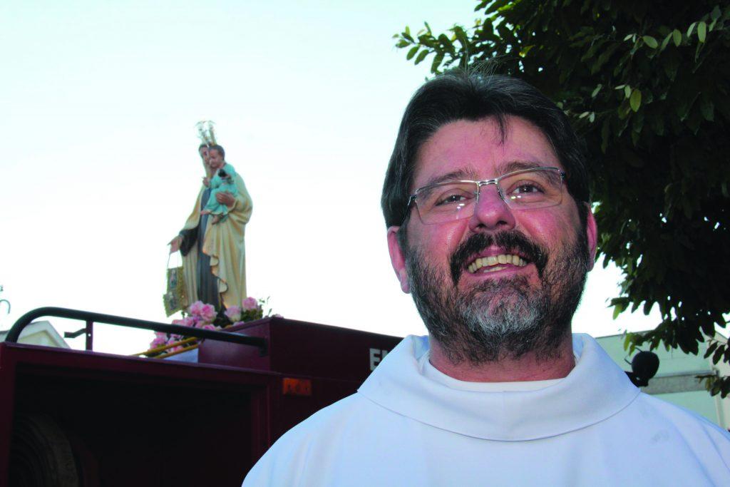 Padre Ricci é pároco da Paróquia de São Cristóvão e diretor da Faculdade João Paulo II