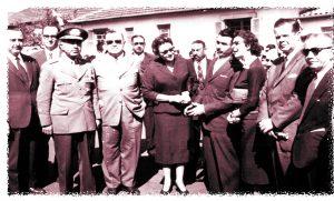 Nicolinha recebia a visita do governador interino, o General Porfírio da Paz, para a inauguração do primeiro Corpo de Bombeiros da cidade e da região.